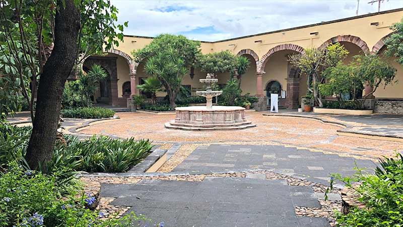 2 Blocks to Instituto Allende